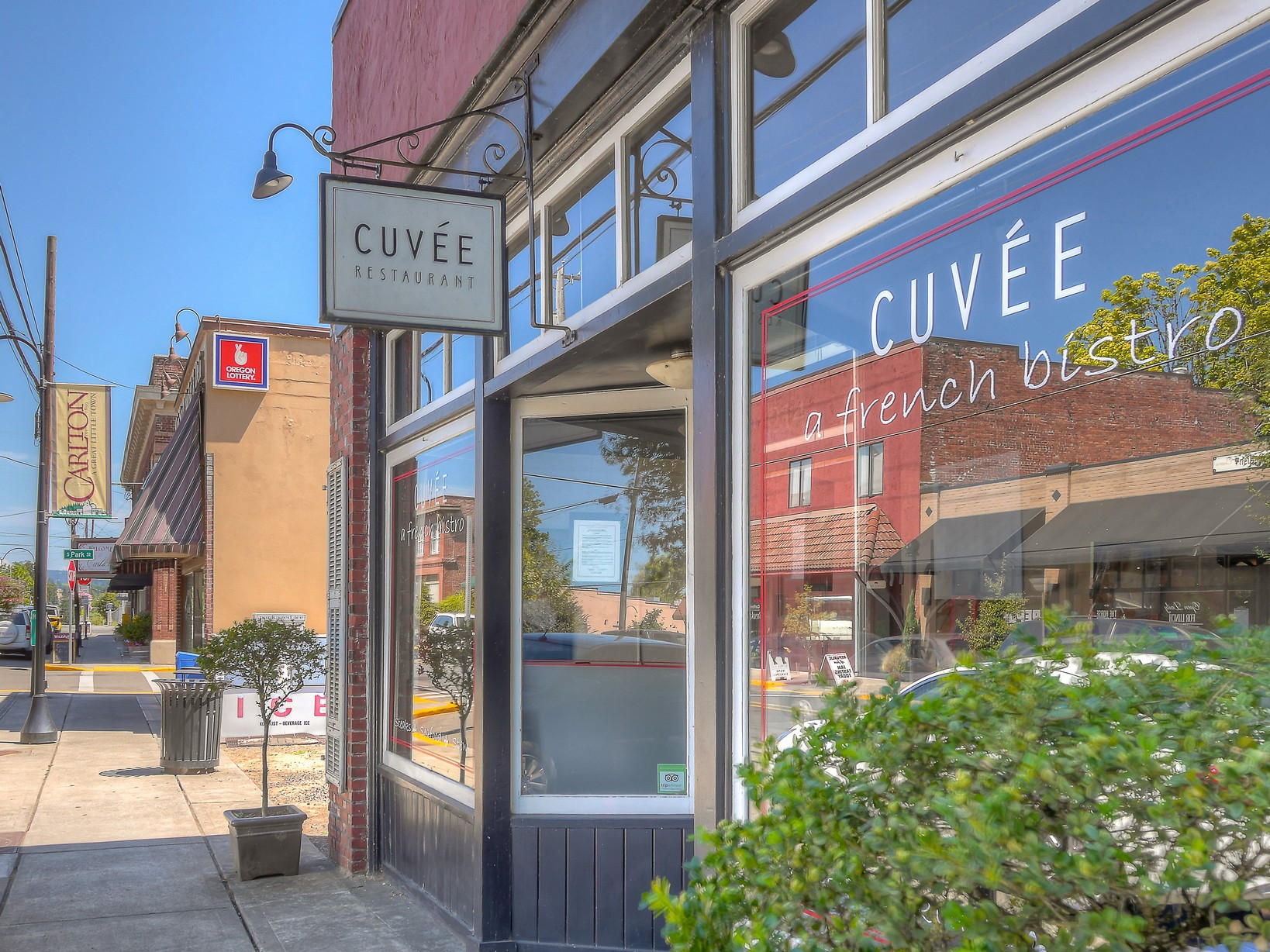 2-carlton-oregon-cuvee-restaurant-french-bistro-the-kelly-group-real-estate
