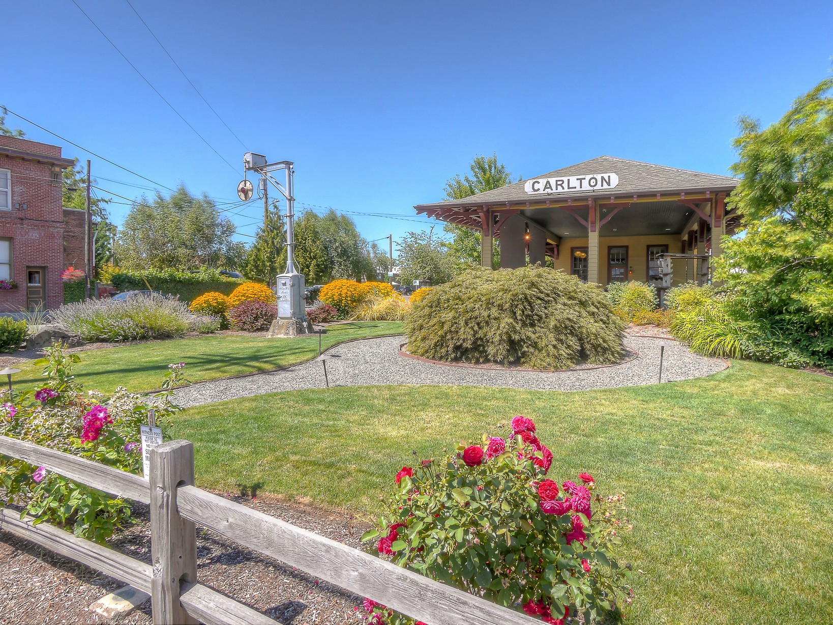 7-carlton-oregon-train-station-the-kelly-group-real-estate